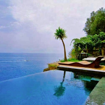 best-hotels-with-infinity-pools-in-the-world