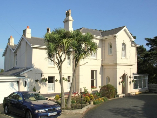 The Muntham Apartments and Town House