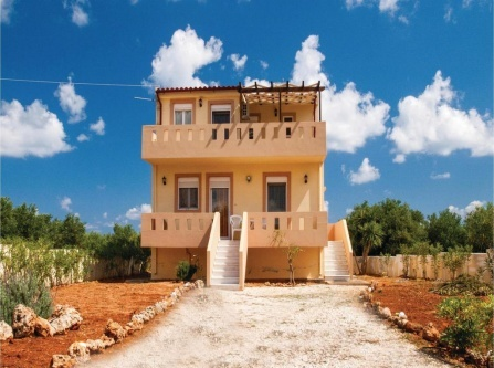 Three-Bedroom Holiday Home in Annisaras