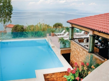 Four-Bedroom Holiday Home in Petalou, Korinthias