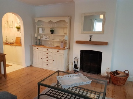 COSY & QUAINT 1 BED FLAT
