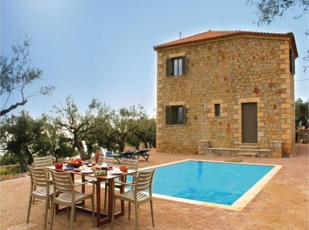 Four-Bedroom Holiday Home in Kardamyli