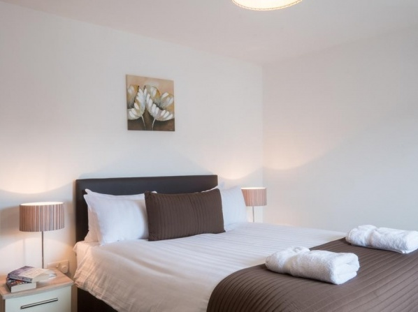 Base Serviced Apartments - Cumberland Apartments