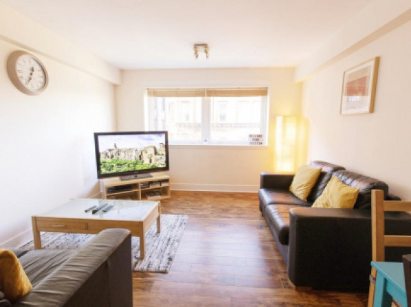 Bright, Spacious 2 Bedroom Apartment in the Heart of Glasgow City