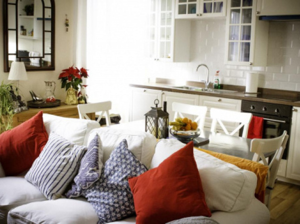 Lovely, bright apartment