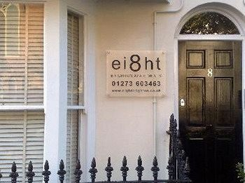 Ei8ht Brighton Apartments - Guest house